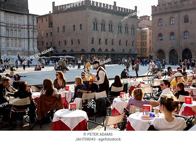 Cafe in Piazza Maggiore, Bologna, Emilia Romagna, Italy