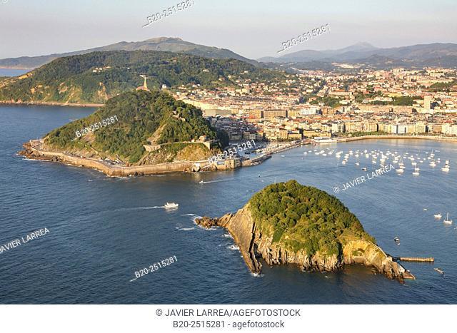 La Concha Bay. Santa Clara Island. Donostia. San Sebastian. Gipuzkoa. Basque Country. Spain
