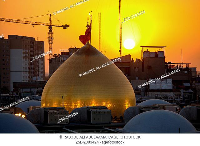 The shrine of Imam Hussein, grandson of the Prophet Mohammed the Prophet of Islam, The third Imam At the Shiite community And meant Shi'ite pilgrims in Iraq
