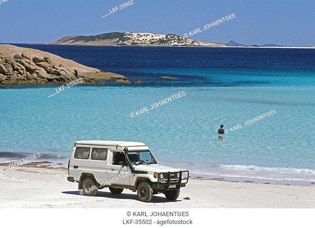 White sand beach on southern coast, Cape Le Grand NP, near Esperence, Southern Ocean, South Australia, Australia