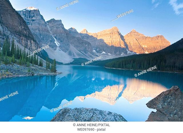 travel destination moraine lake with mountains and reflection in canadian yoho national park