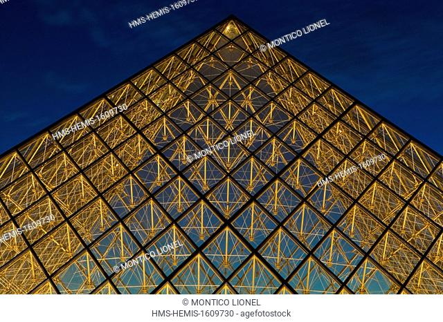 France, Paris, area listed as World Heritage by UNESCO, the Louvre Pyramid by the architect IM Pei