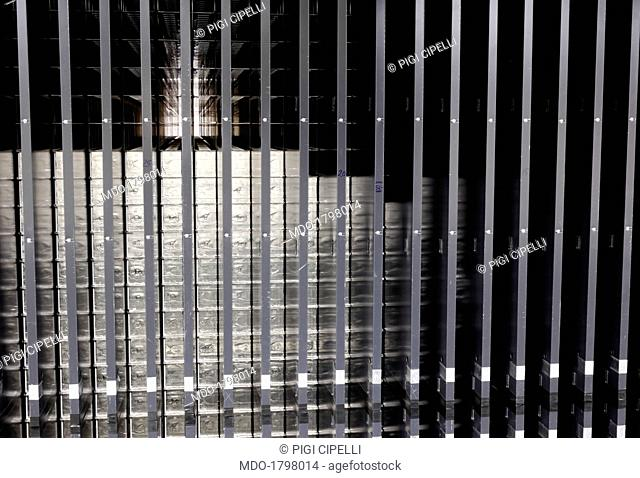 Bars for the study of neutrinos