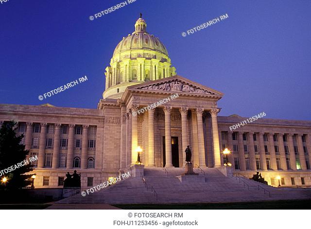 MO, Missouri, Jefferson City, Missouri State Capitol, State House, evening