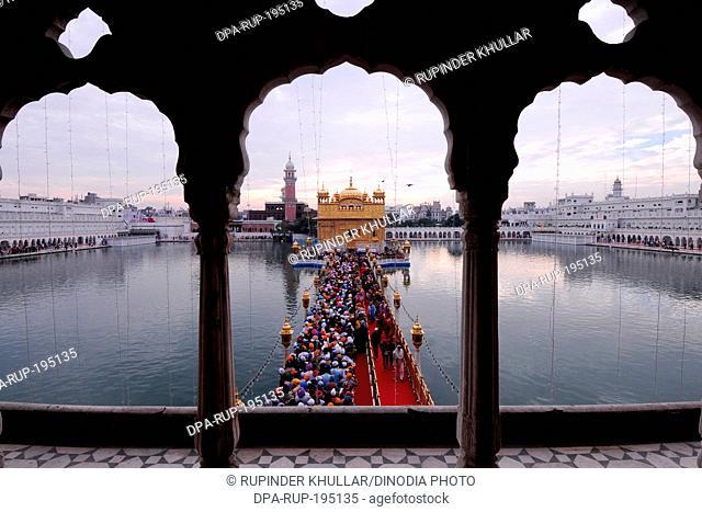 Golden temple, amritsar, punjab, india, asia