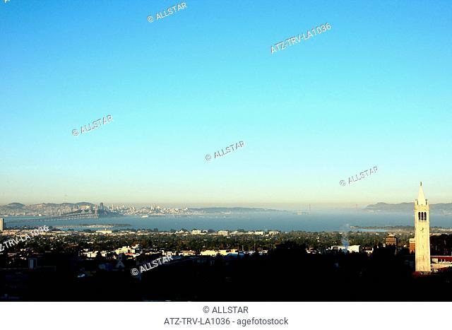 SATHER TOWER, BERKELEY, SAN FRANCISCO, GOLDEN GATE BRIDGE; BERKELEY, CALIFORNIA, USA; 06/10/2011