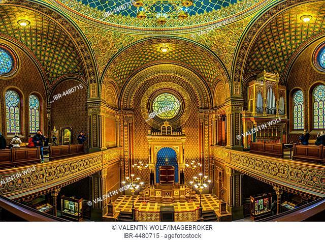 Bima, altar, Spanish Synagogue, interior shot, Josefov, Jewish Quarter, Prague, Bohemia, Czech Republic
