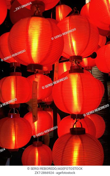 Lanterns at New Buddha Tooth Relic Temple and Museum, Chinatown, Singapore
