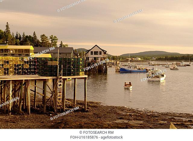 Bernard/Bass Harbor, ME, Maine, fishing harbor, low tide, lobster traps