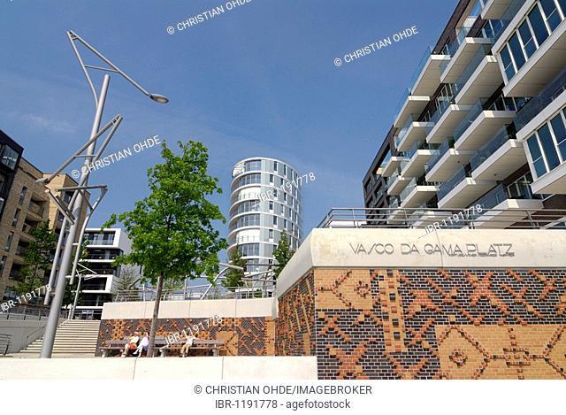 Vasco-da-Gama-Square and Kaiserkai quay in the Hafencity district of Hamburg, Germany, Europe
