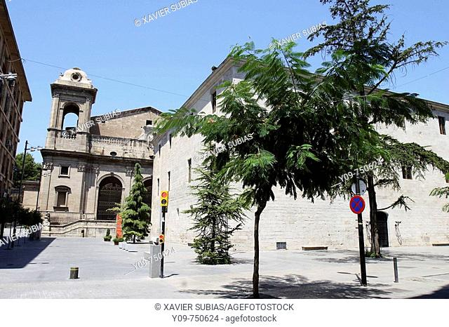 New cathedral and former St Mary's hospital (now Institut d'Estudis Ilerdencs building, 15th-16th century), Lleida. Segria, Catalonia, Spain