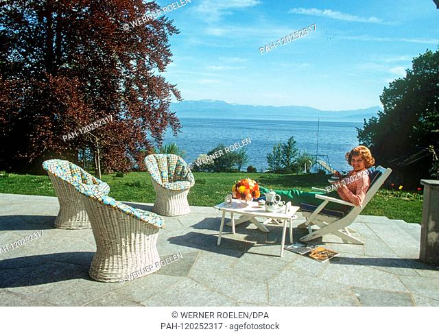 In the 1970s, Liselotte Pulver enjoyes the view of Lake Geneva from the terrace of her house near Lausanne. Swiss actress Lilo Pulver was born on 11 October...