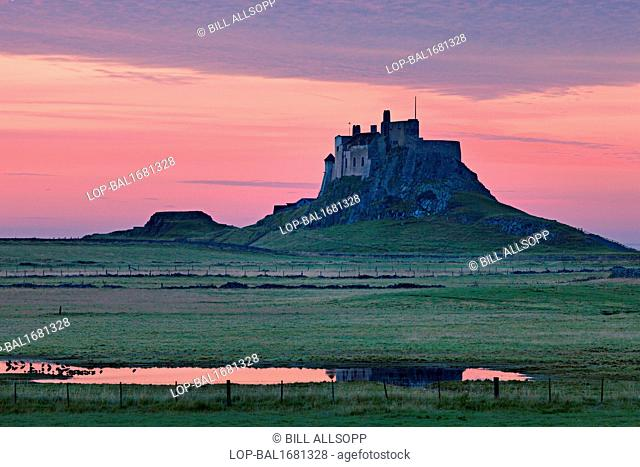 England, Northumberland, Holy Island. A view toward Lindisfarne castle