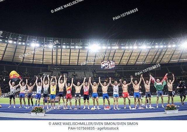 final jubilation of the Ten Cossacks, La Ola, l. Winner Arthur ABELE (1st place / Germany). Decathlon 1500m, on 08.08.2018 European Athletics Championships 2018...