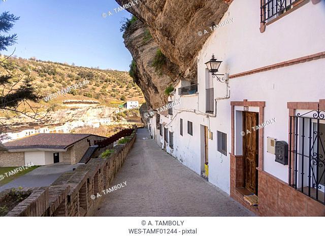 Spain, Andalusia, Province of Cadiz, Setenil de las Bodegas, alley