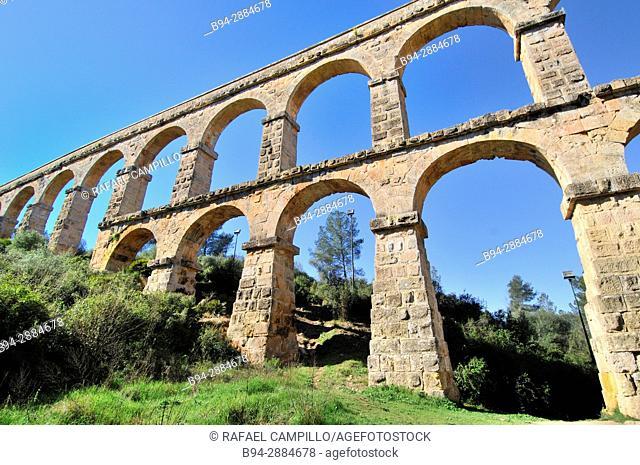 Pont del Diable Devil's Bridge Roman aqueduct, Tarragona, Catalonia, Spain