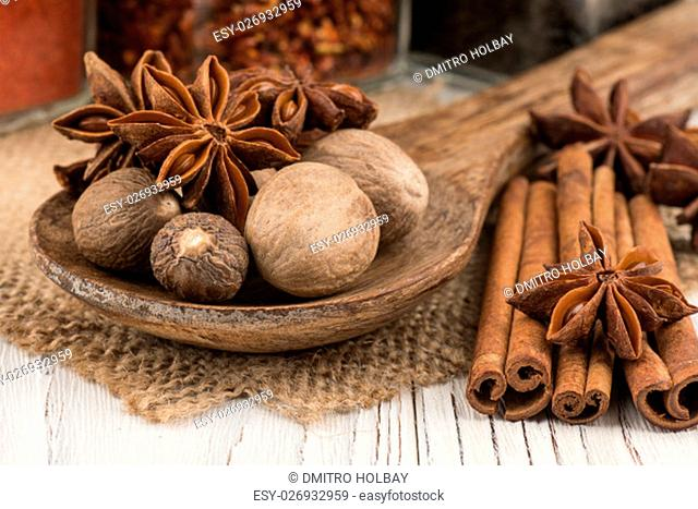 Star Anise On Rustic Wooden Board Stock Photos And Images