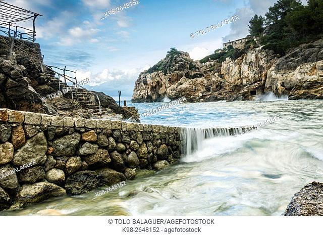 Cala de Deia, sierra de Tramuntana, islas baleares, Spain