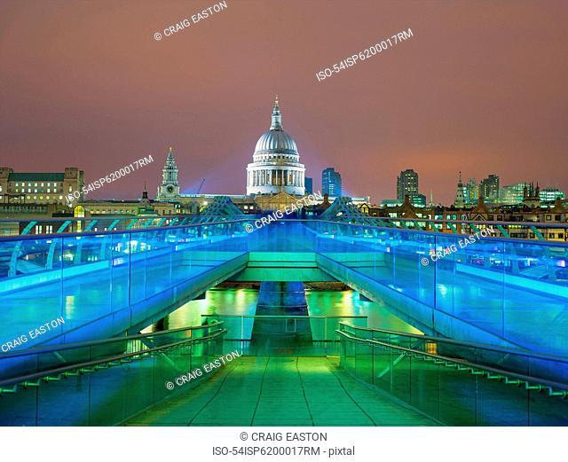 Illuminated bridge and parliament building