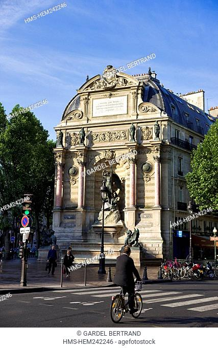 France, Paris, place Saint-Michel, la Fontaine Saint Michel 1860 by architect Gabriel Davioud
