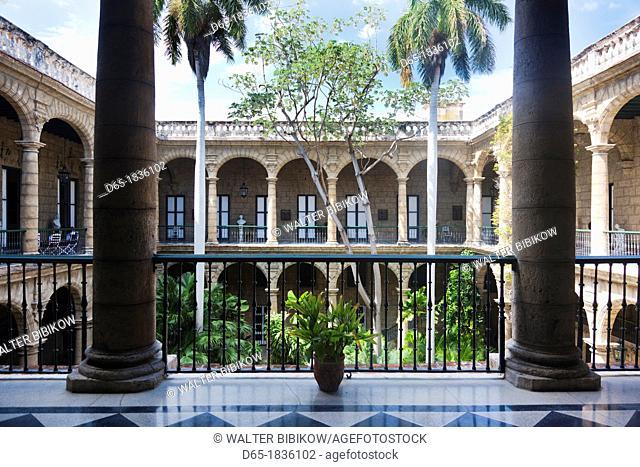 Cuba, Havana, Havana Vieja, Plaza de Armas, Museo de la Ciudad museum, courtyard