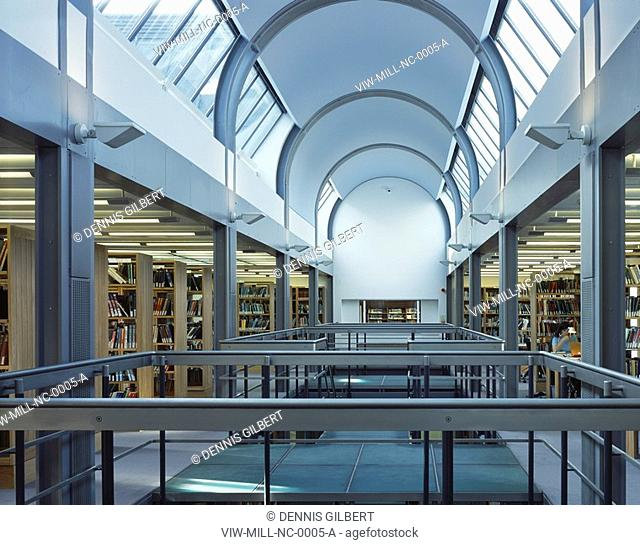NEWNHAM COLLEGE LIBRARY, NEWNHAM COLLEGE, CAMBRIDGE, CAMBRIDGESHIRE, UK, JOHN MILLER & PARTNERS, INTERIOR, FIRST FLOOR OF LIBRARY WITH VAULTED SKYLIGHTS