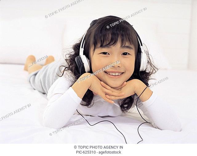 Girl Listening to the Music, Korea