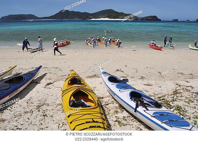 Zamami, Okinawa, Japan: canoeists at Ama Beach