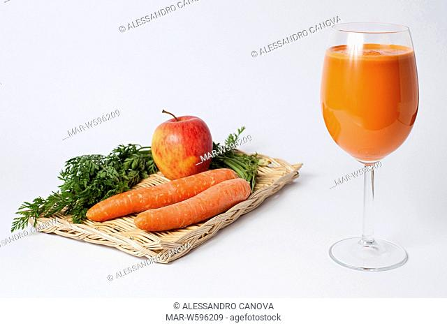apple and carrots smoothie