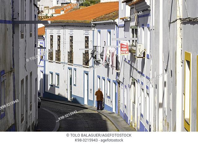 Street scene, Arraiolos, Évora District, Alentejo, Portugal