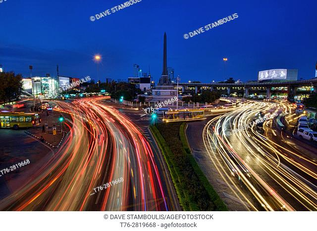 Rush hour at Victory Monument, Bangkok, Thailand