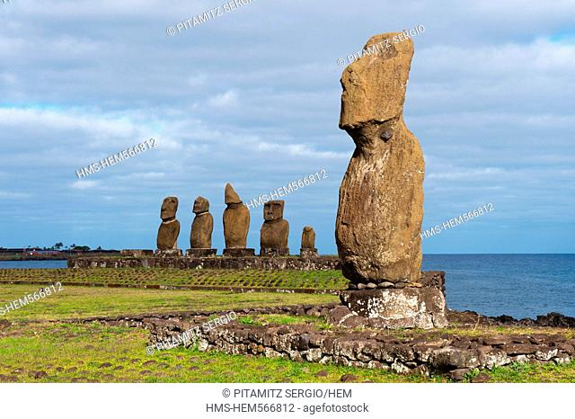 Chile, Easter Island Rapa Nui, site listed as World Heritage by UNESCO, Tahat Archaeolocical Complex, Ahu Tahai and Ahu Vai Uri