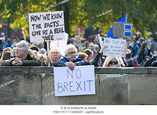 Over Half a million protesters demand Final Say at People-s Vote March, anti-brexit March. London, UK 20/10/2018   usage worldwide