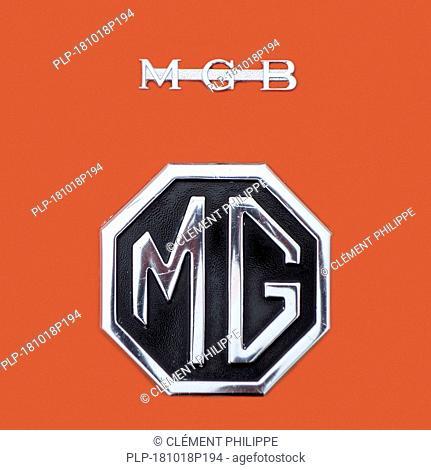 1972 MG MGB Roadster logo / car boot badge