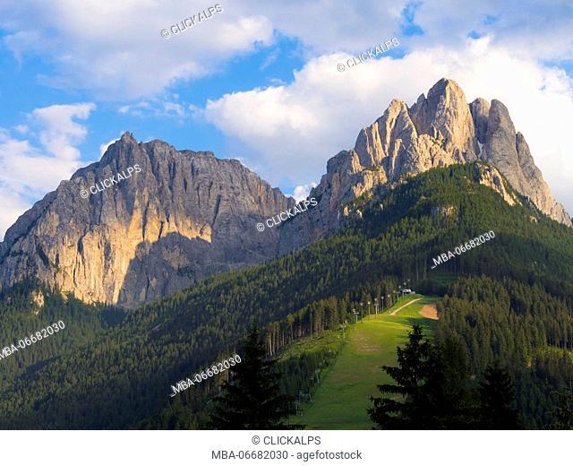 Italy, Dolomites, Cima 11 and Cima 12 peaks at sunset