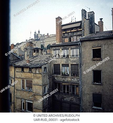 Blick auf einen Hinterhof in Lyon, Frankreich, Anfang 1980er Jahre. View to a backyard at Lyon, France, early 1980s