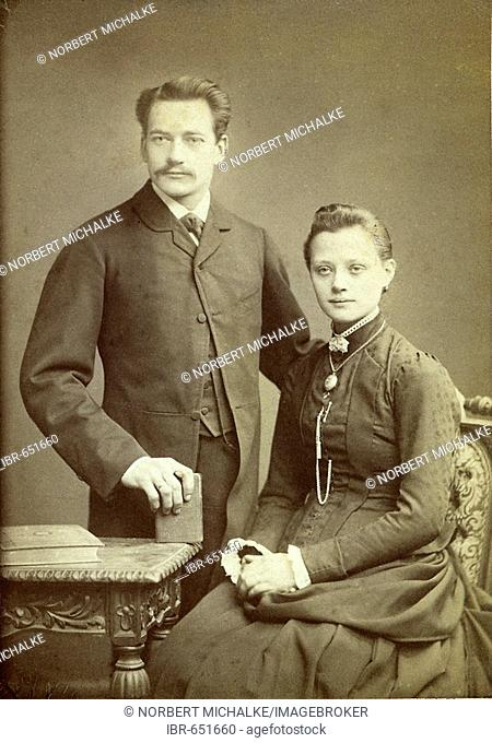 Picture of a young married couple, ca. 1885