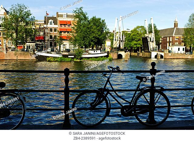 Magere Brug (Skinny Bridge) over Amstel River, Amsterdam, Netherlands, Europe