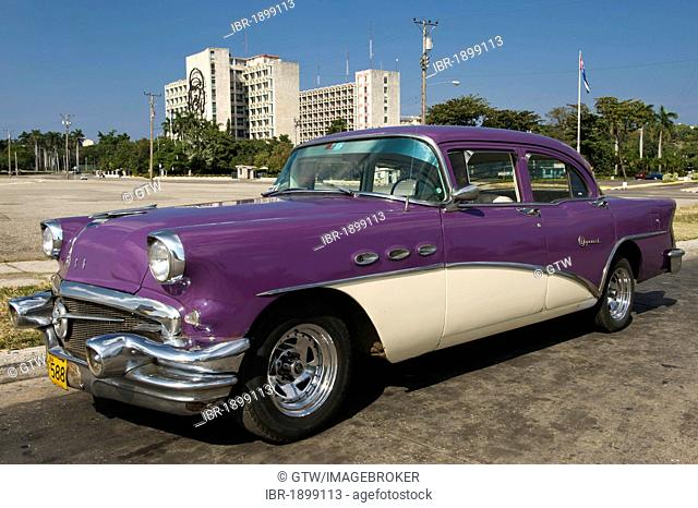 Classic car in front of the Ministry of the Interior, Havana, Cuba