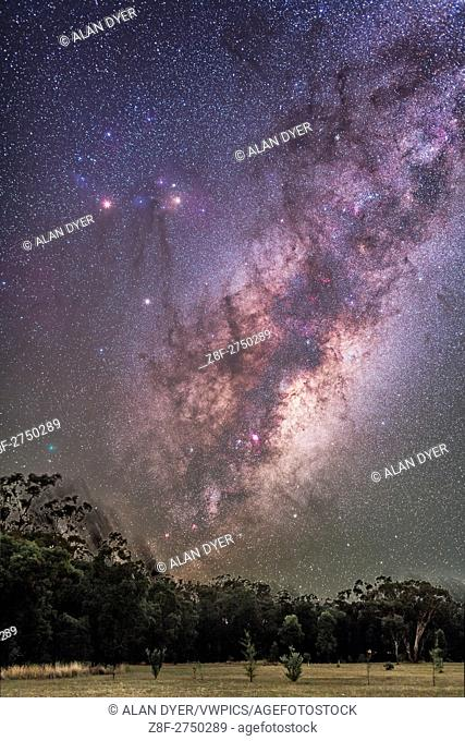 Scorpius and Sagittarius rising, with Scorpius coming up on its side, as seen from New South Wales, Australia, April 2, 2016