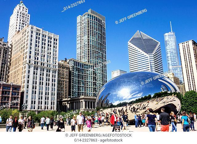 Illinois, Chigo, Loop, Millennium Park, Cloud Gate, The Bean, artist Anish Kapoor, public art, reflected, reflection, distorted, city skyline