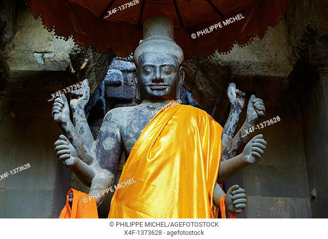 Southeast Asia, Cambodia, Siem Reap Province, Angkor site, Unesco world heritage since 1992, Angkor Wat temple, XII th century, statue of Vishnou