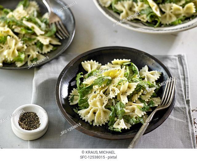 Farfalle Pasta With Gorgonzola and Arugula