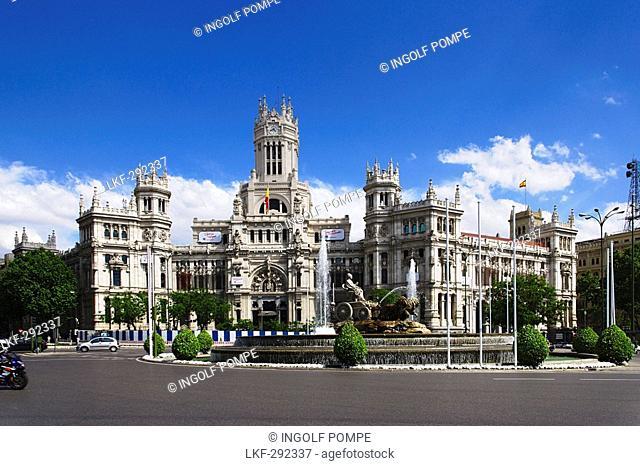 Town hall Palacio de Comunicaciones with Fuente de Cibeles, Plaza de Cibeles, Madrid, Spain