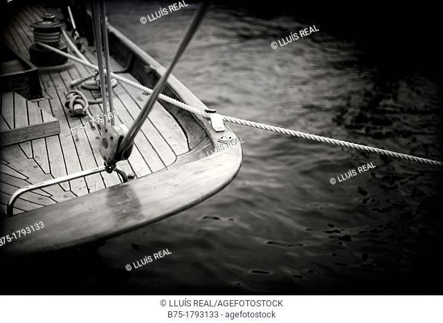 Spotlight cover vintage yacht race