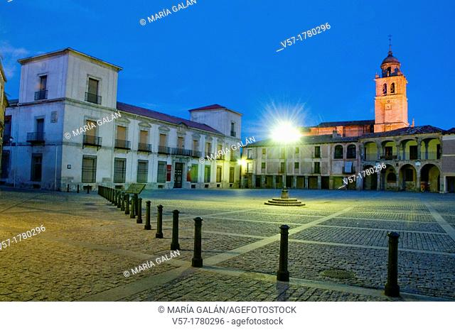 Main Square, night view. Medinaceli, Soria province, Castilla Leon, Spain