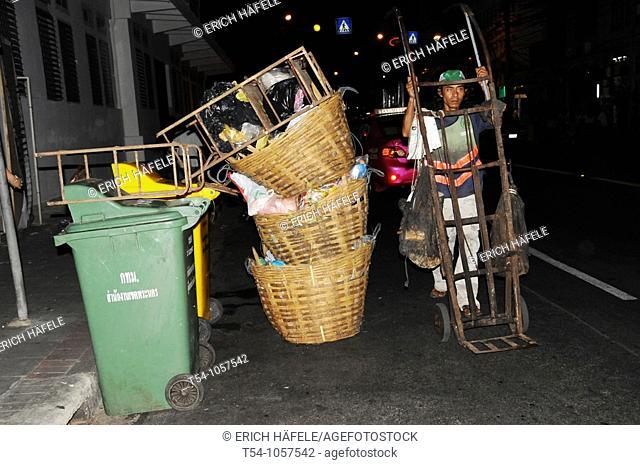 Garbage disposal in Bangkok