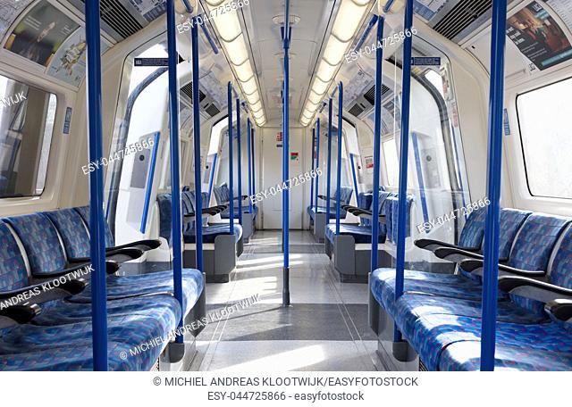 London metro coach, public transport in the city of London