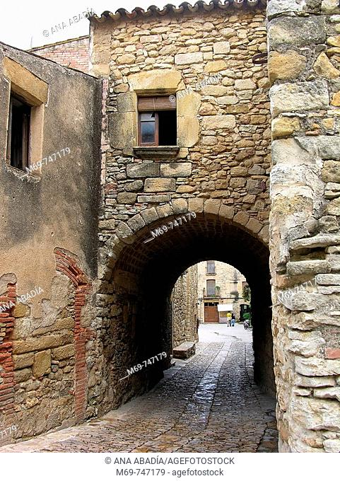 Peratallada. Baix Emporda, Girona province, Catalonia, Spain