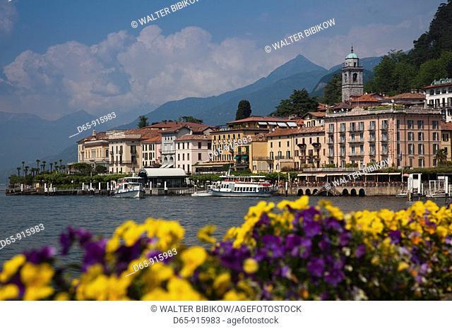 Italy, Lombardy, Lakes Region, Lake Como, Bellagio, town view